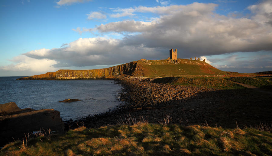 Dunstanburgh Castle by scotto
