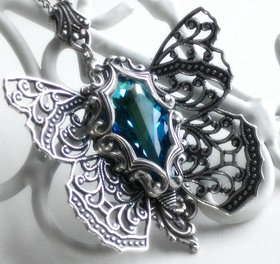 nakit -ukras ili umetnost - Page 3 Spring_of_butterflies_necklace_by_harlequinromantics-d3b7p4x