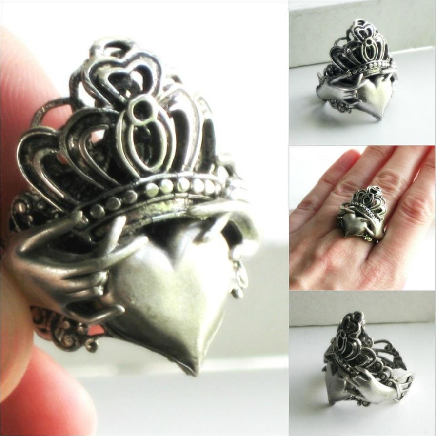 Claddagh Ring Tattoo Designs