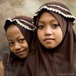 Indonesian School Girls by mjbeng