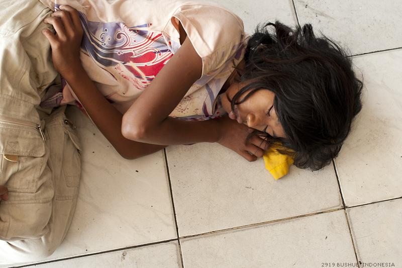 Street sleeper by mjbeng