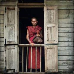 Rangoon Monk by mjbeng