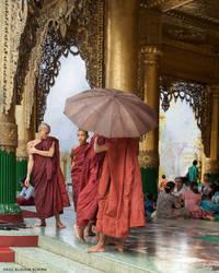 Shwedagon Pagoda, Rangoon by mjbeng