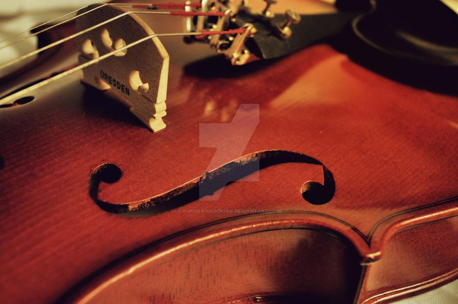 violin II by AuroraMagorian