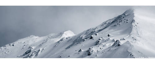 Winter Peaks by Limaria