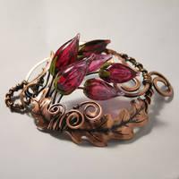 Flower brooch by Egarimea