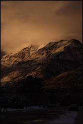 Twilight sees the mountain by blueseas