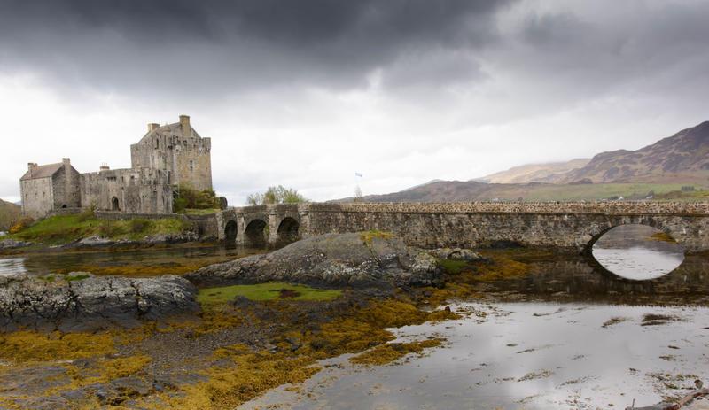 eilean donan castle by morho