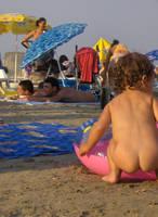 by the sea by doinitza