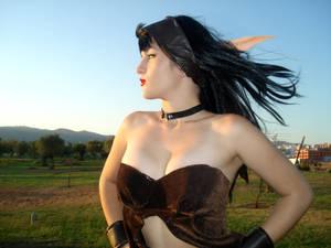 Blood Elf cosplay- Heroic pose