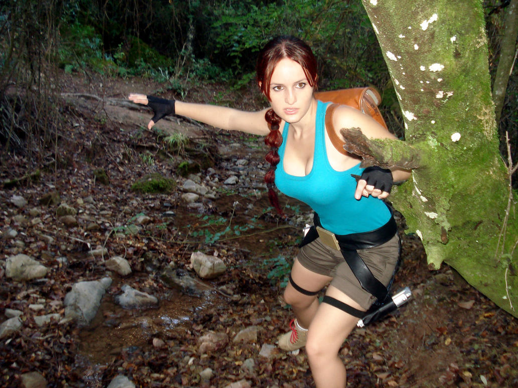 Lara Croft action by Val-Raiseth