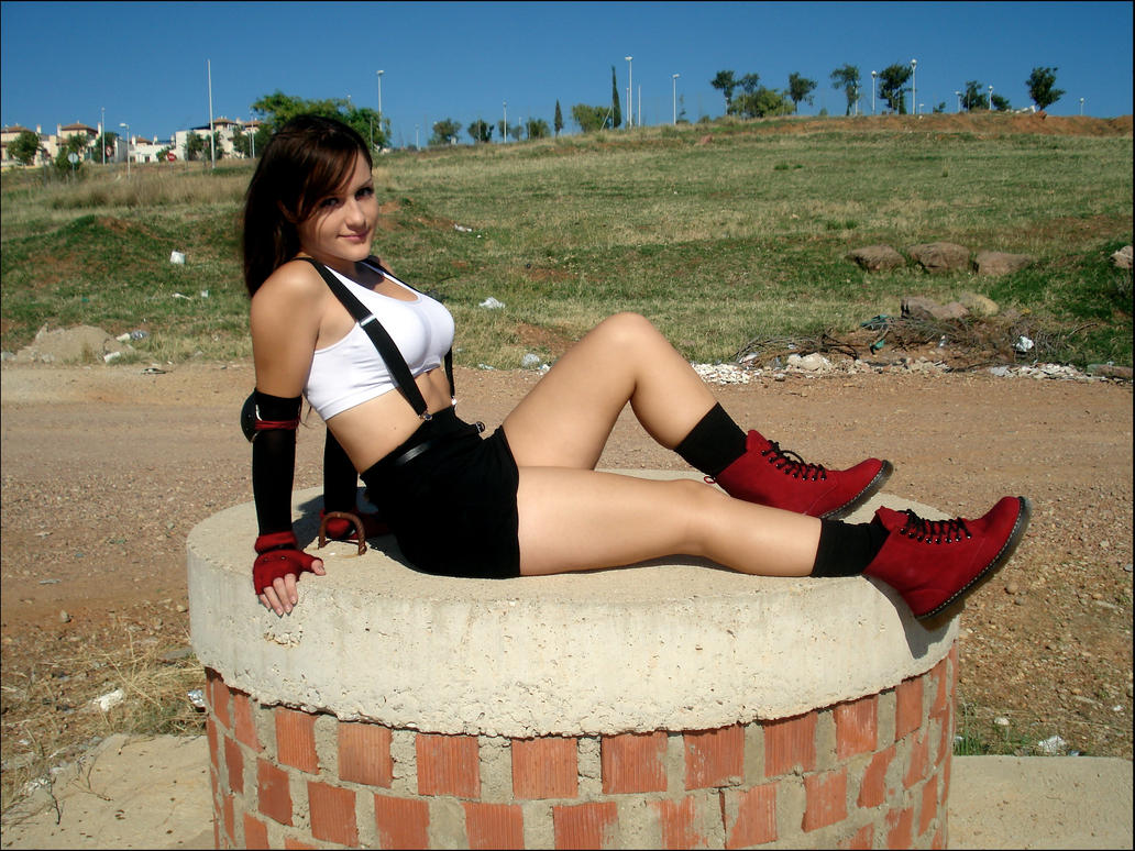 Tifa cosplay lying by Val-Raiseth