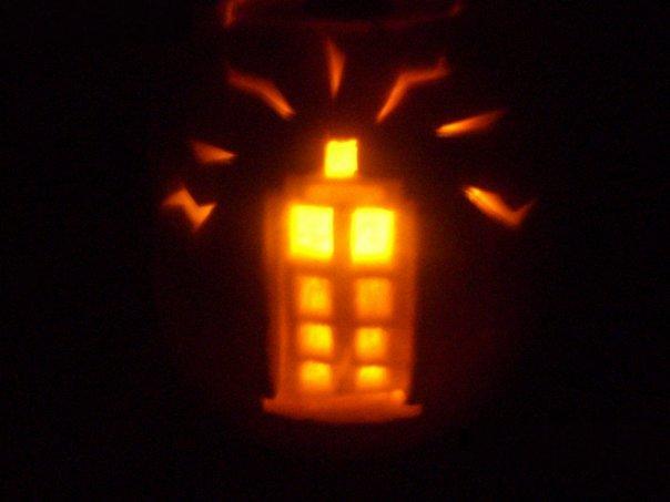 Tardis Jack-O-Lantern by darkmold