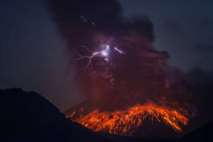 2-CATERS-Lightning-Volcano-Eruption-05-JPG 184134 by Colonelengle