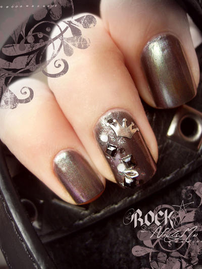 Nail arts Little_rock_queen_by_nailsymo-d3be8pi