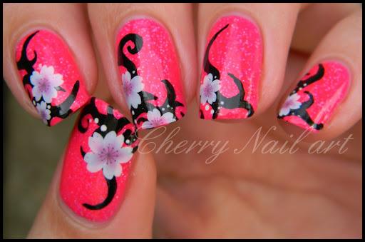 Nail art fleurs tribal by cherrynailart