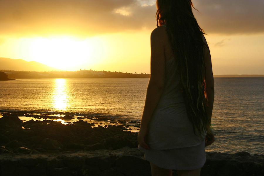 Lanzarote sunrise by Vlienster