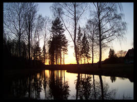 The end of the Lake's day... by Lauken