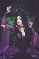 Purple Queen by DameTenebra