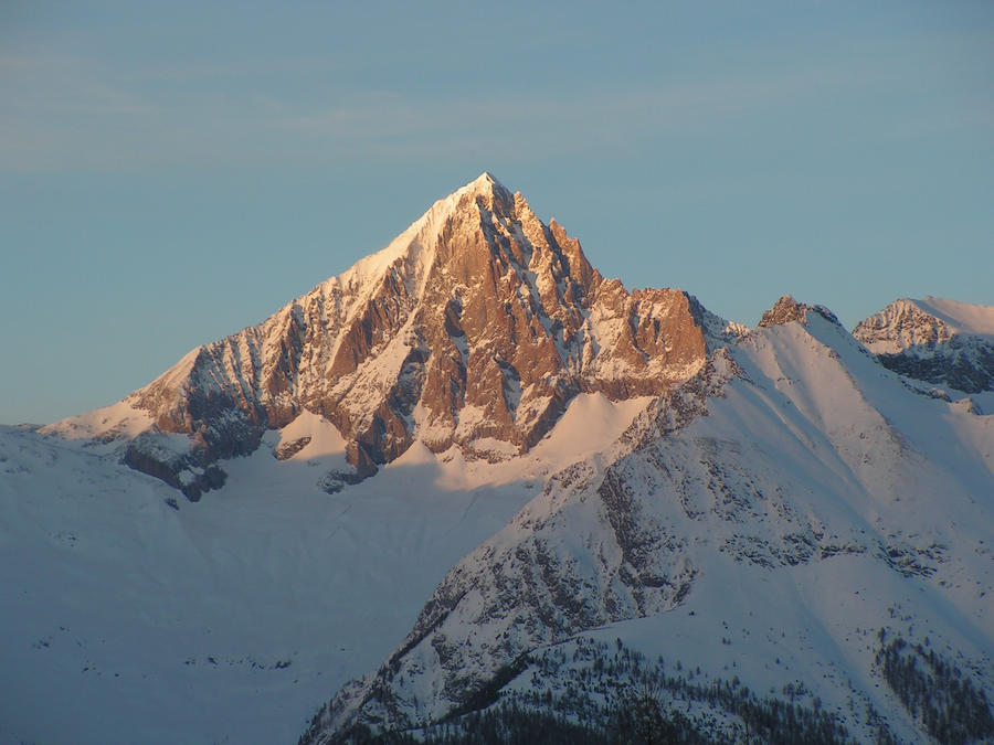 mountain in winter by miic1