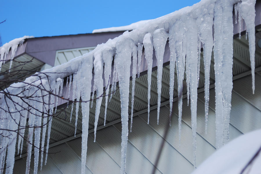 Icicles by zeldalilly