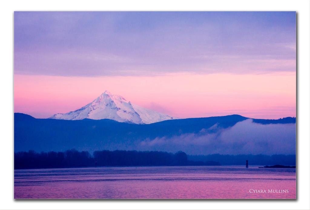 Mount Hood Sunset by IndigoRavenImagery