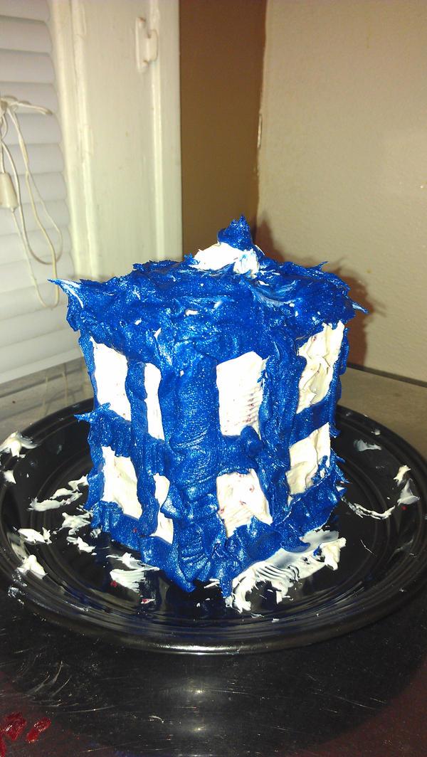 TARDIS cake by k-ee-ran