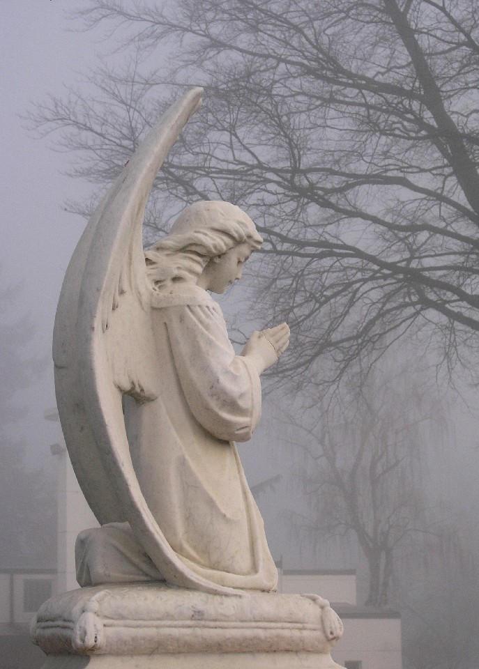 Praying angel by mumblyjoe
