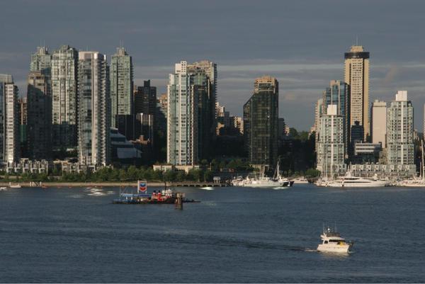 Vancouver at sunrise by mumblyjoe