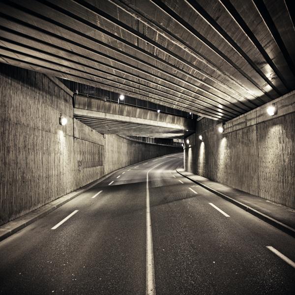 Under the bridge III by siamesesam