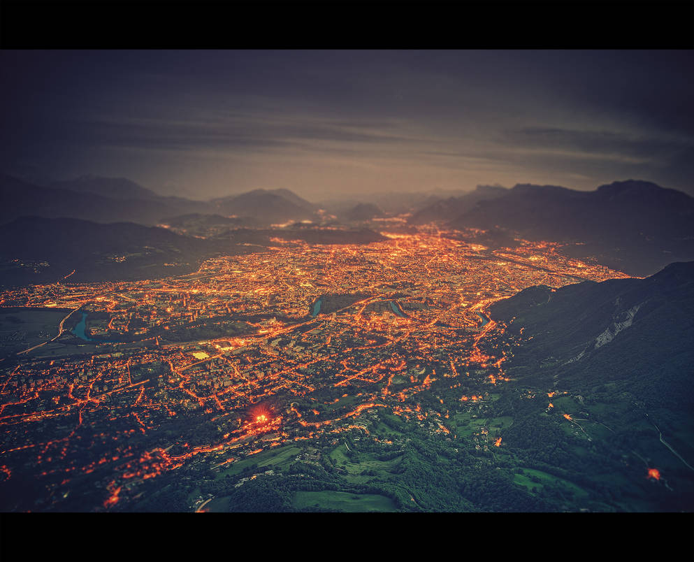 Grenoble by siamesesam