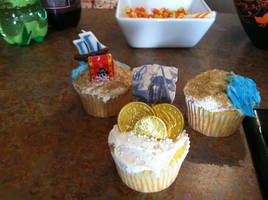 Pirates of the Caribbean Cupcakes by paranoiapanic