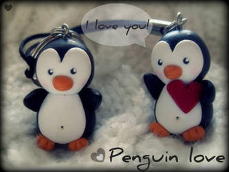 Penguin Love by Maca-mau