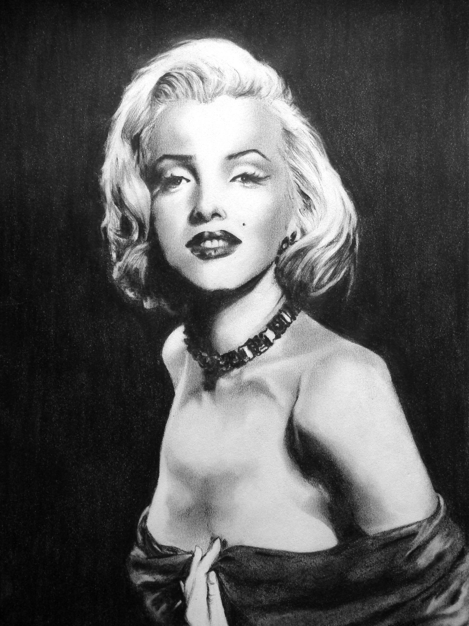 Marilyn Monroe by ~sahitya on