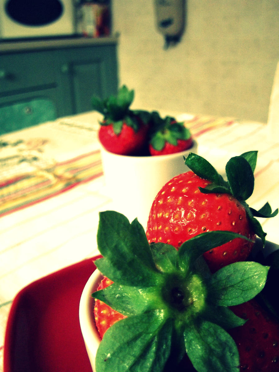 Strawberry Fields Forever. by essereluminoso