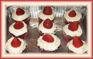 SweetPlushieCake- Strawberry