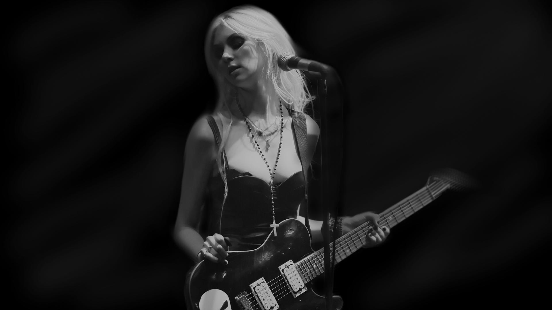 Taylor Momsen Background 3 by AirTease on DeviantArt Taylor Momsen 2017