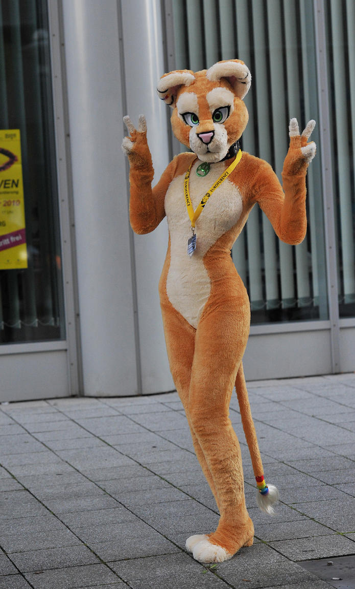 020 Sofia Lioness at EF16 by basil-lion