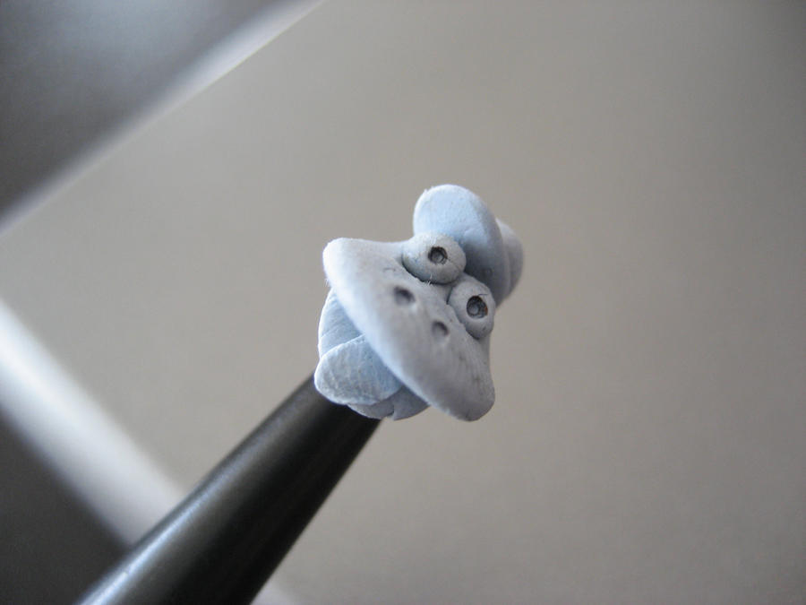 Blu tac man by butisit