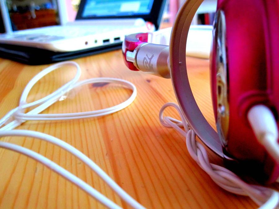 Boost headphone by Peekab00m