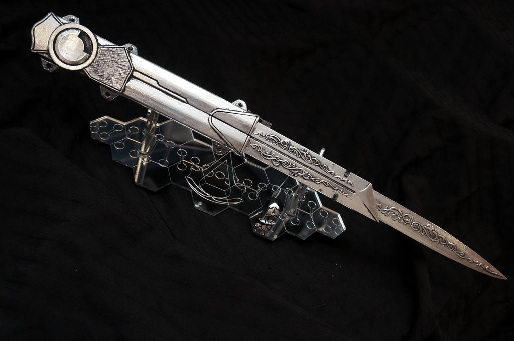 Romano Blade Toy Prop by ammnra