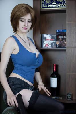 Jill Valentine on home