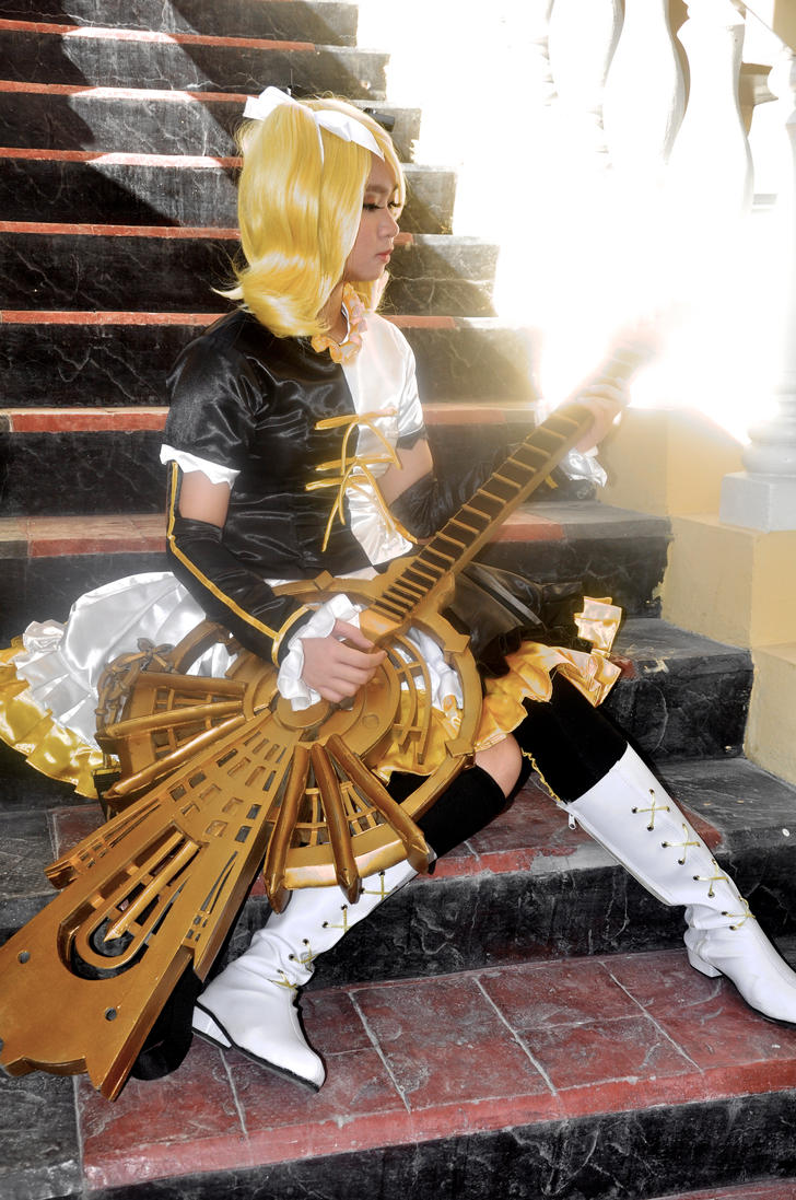 Rin Kagamine Meltdown 2 Cosplay by AdventureTimeWithJan