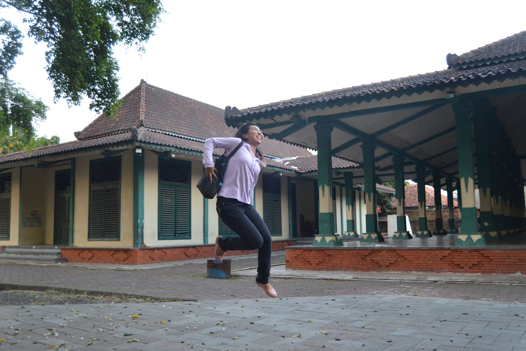 mbeeeb jumping. by kakiangin81