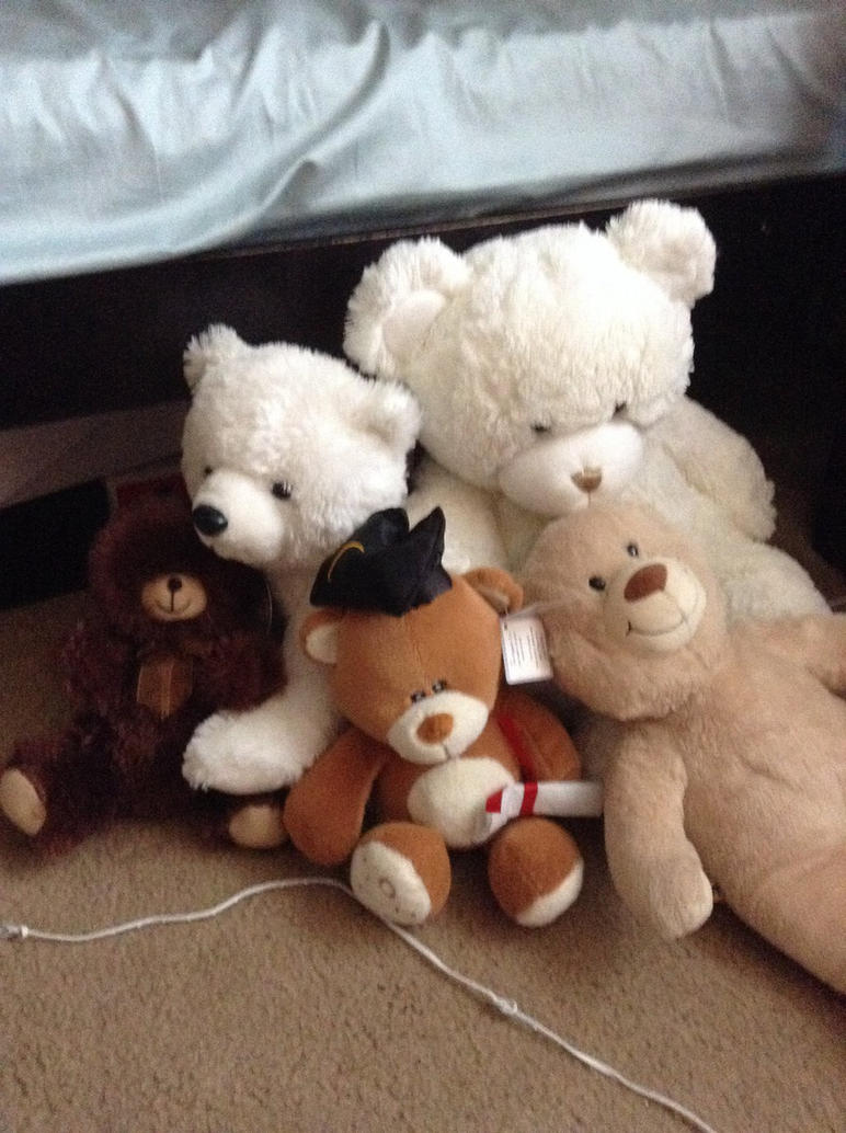Teddy bears by Pinkwolfly