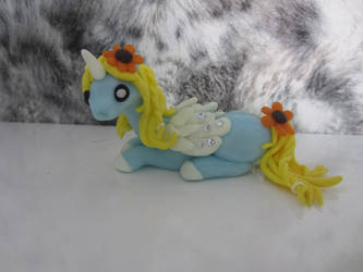 Sunflower pony by Dragonsculpt