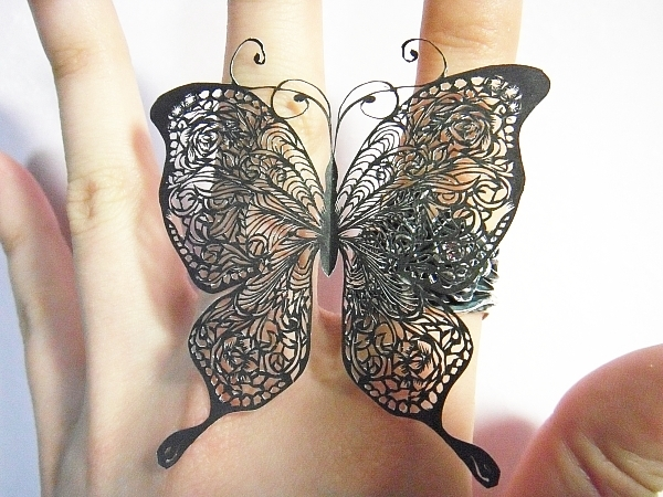 nakit -ukras ili umetnost - Page 2 Paper_cutting_butterfly_by_masamisato