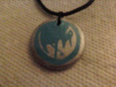 L5R Crane Mon Pendant by fiannaeireann