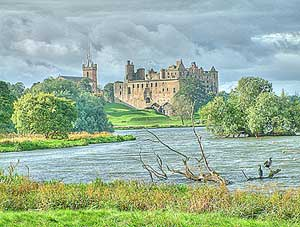 32 bit image Linlithgow palace by photogold