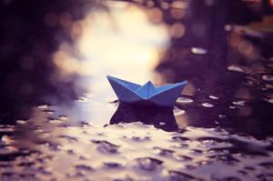 Paper boat by Maarui